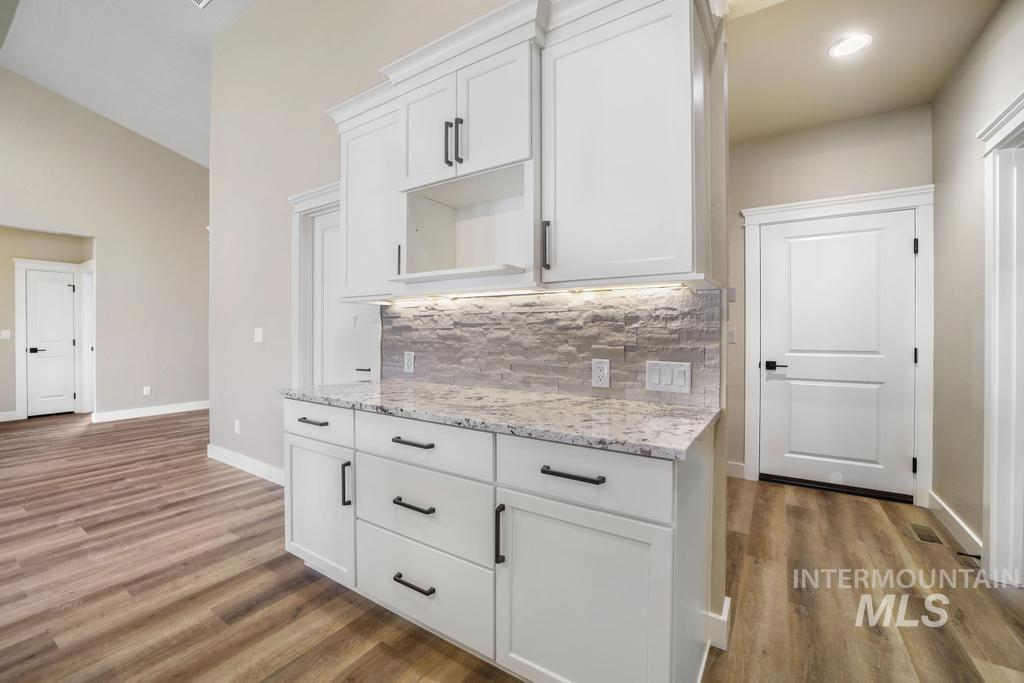 2930 Sun Mountain Drive Property Photo 12