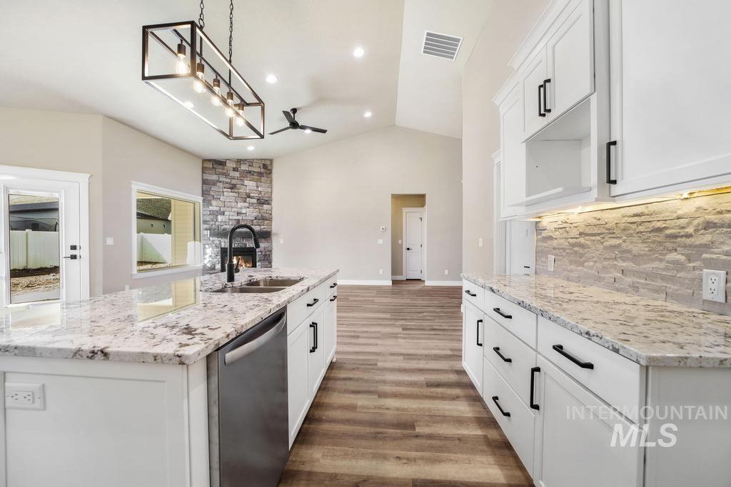 2930 Sun Mountain Drive Property Photo 13