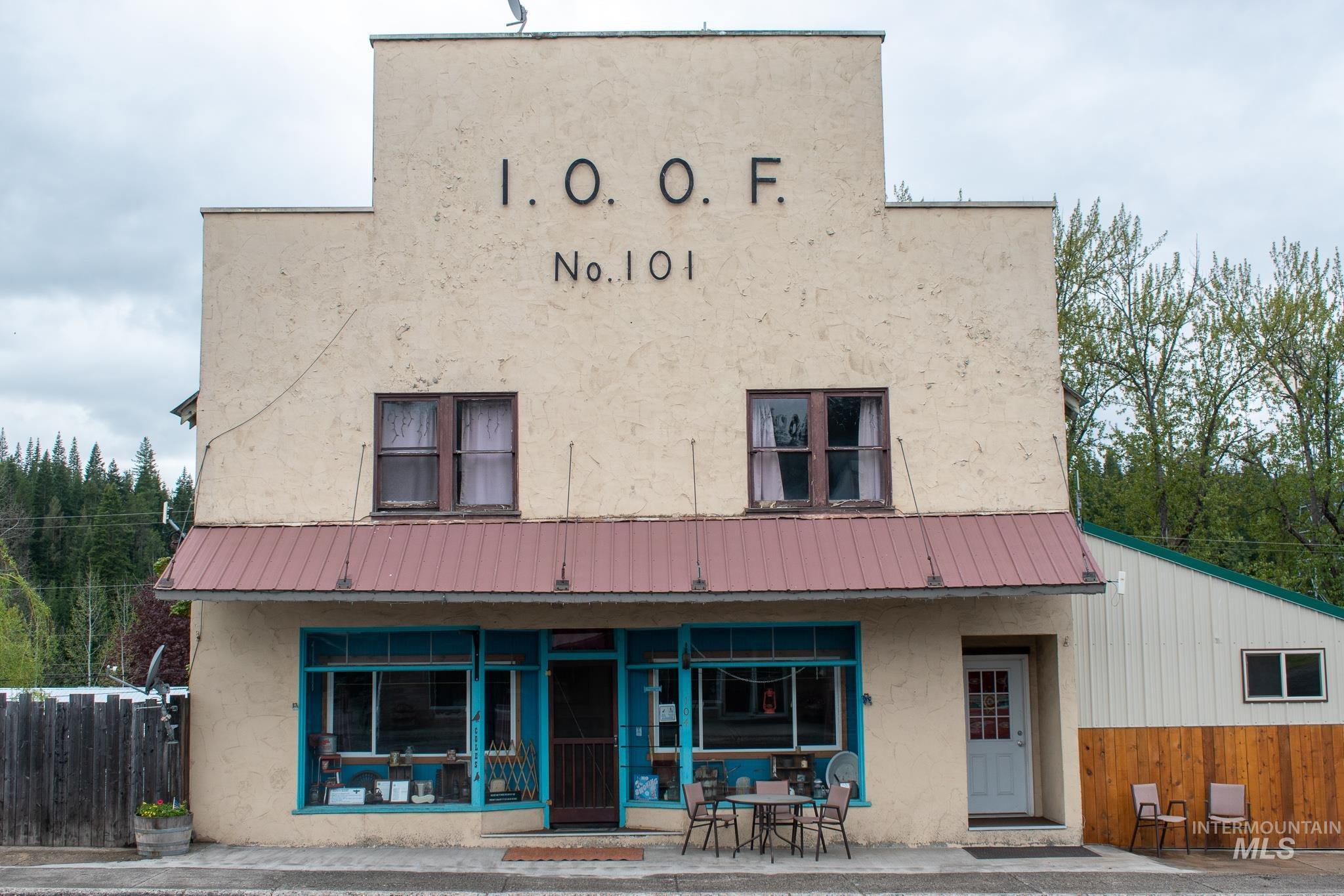 104 S Main St. Property Photo