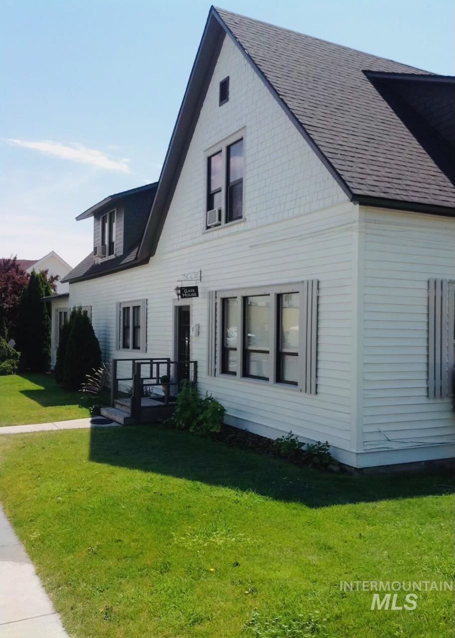 1400 Oakley Avenue Property Photo