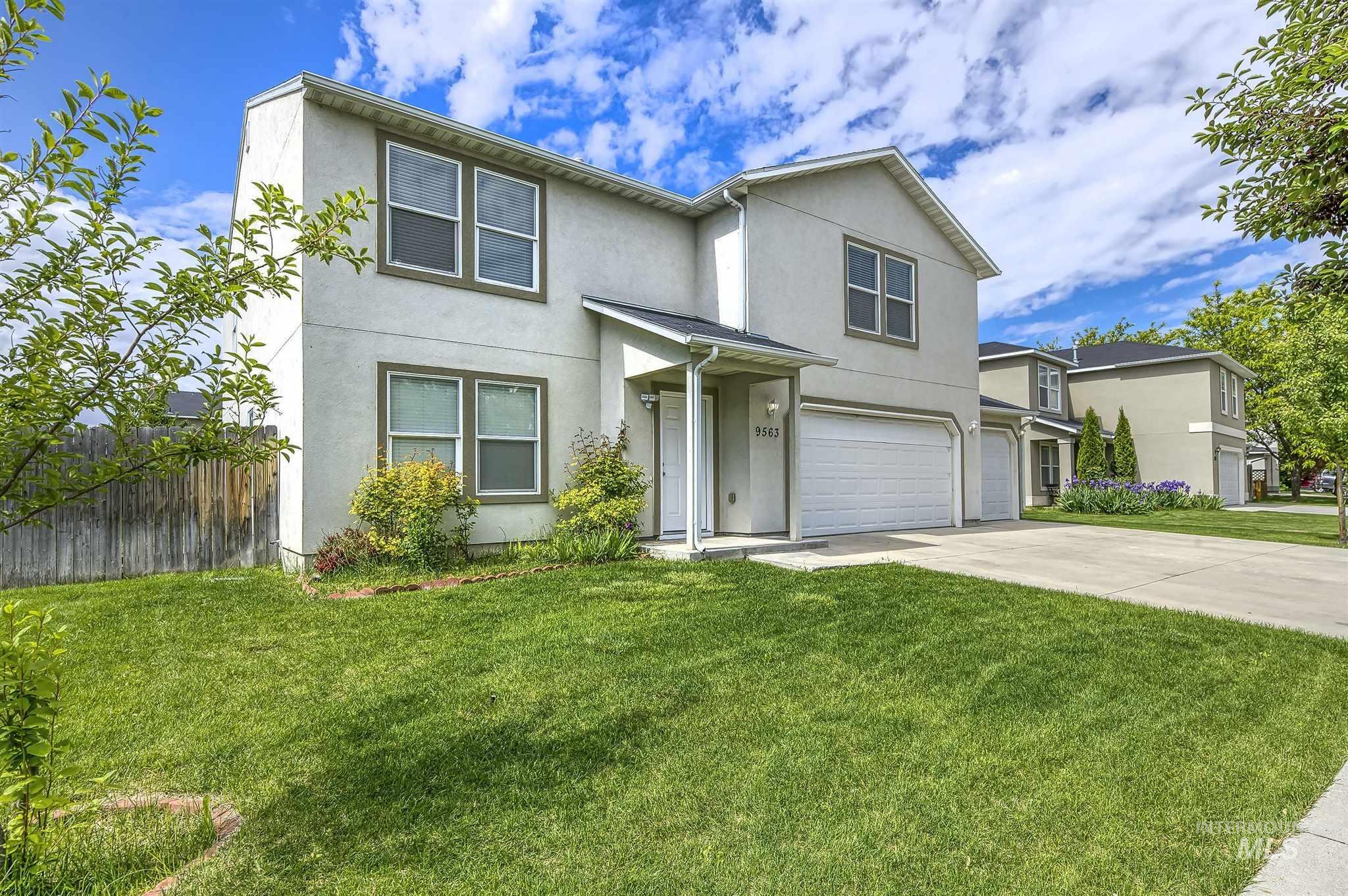 9563 W Bronze Dr Property Photo 1