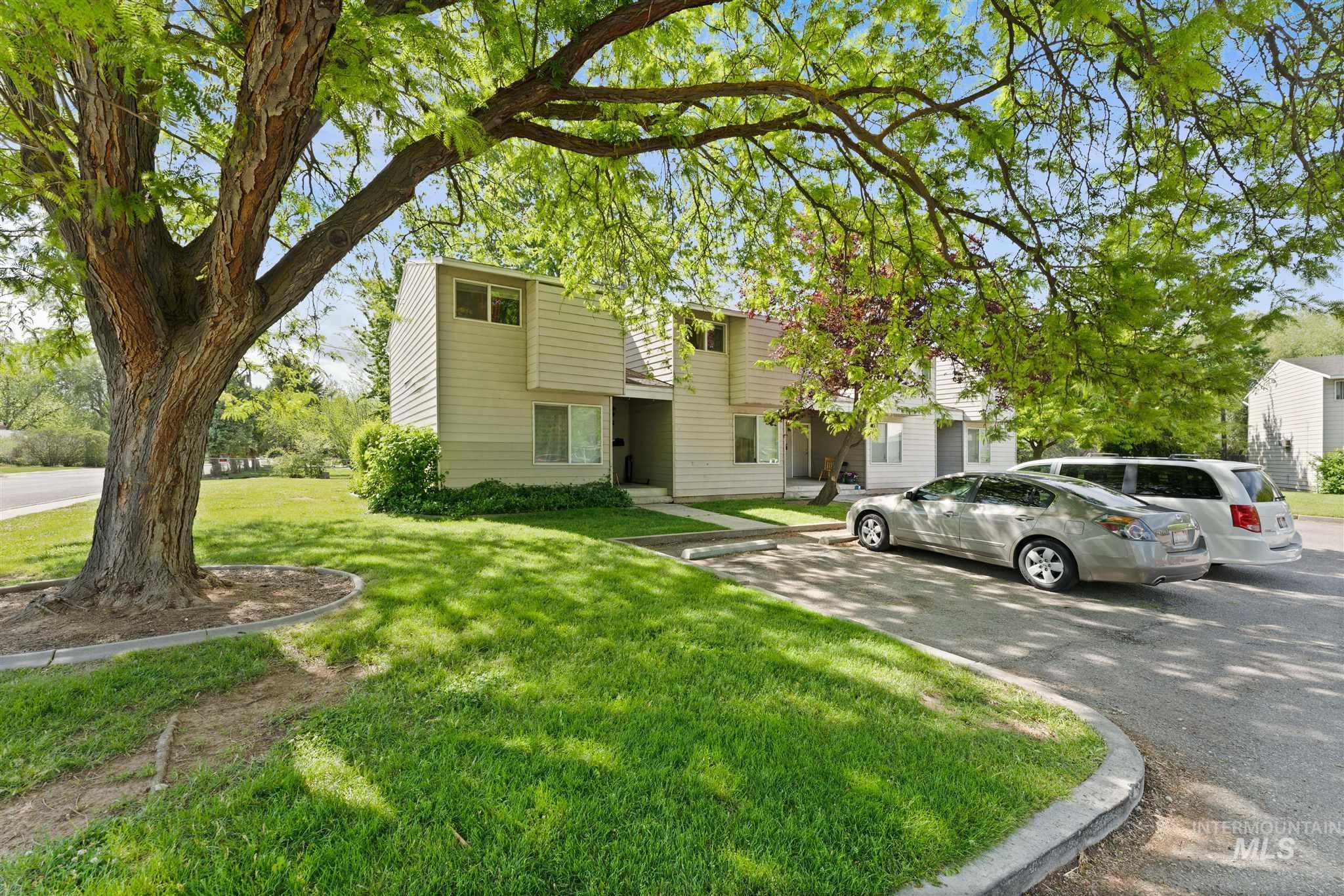 5454 W Grover Street Property Photo 10