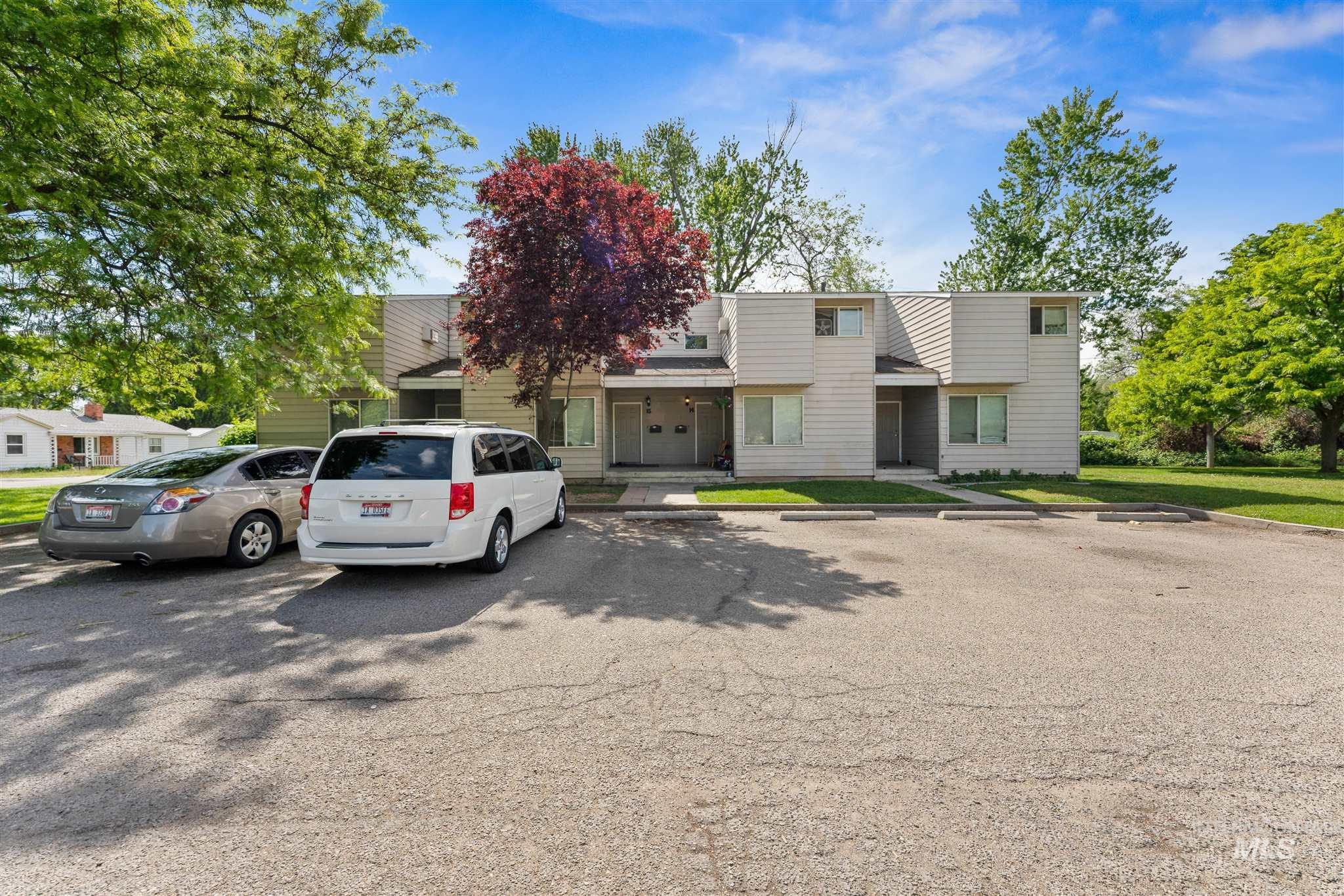 5454 W Grover Street Property Photo 11
