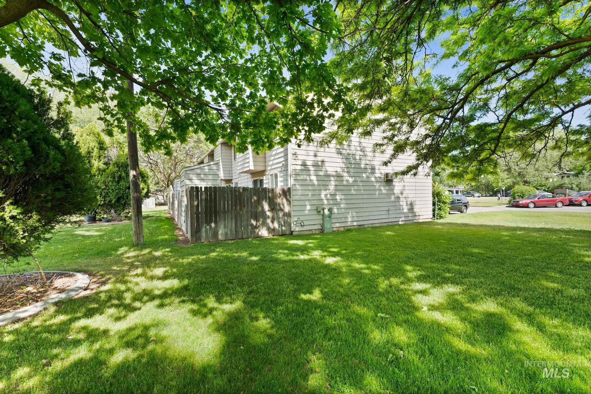 5454 W Grover Street Property Photo 14