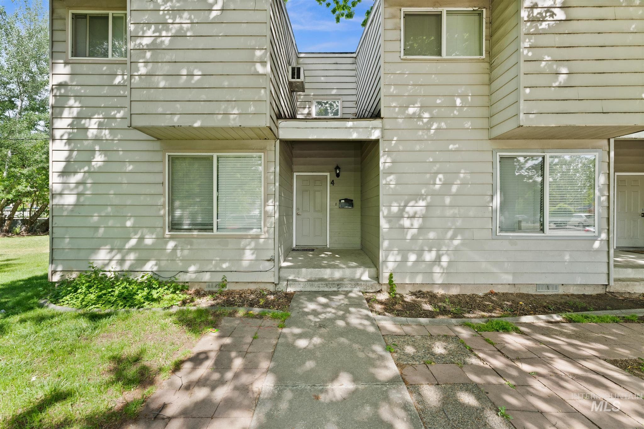 5454 W Grover Street Property Photo 15