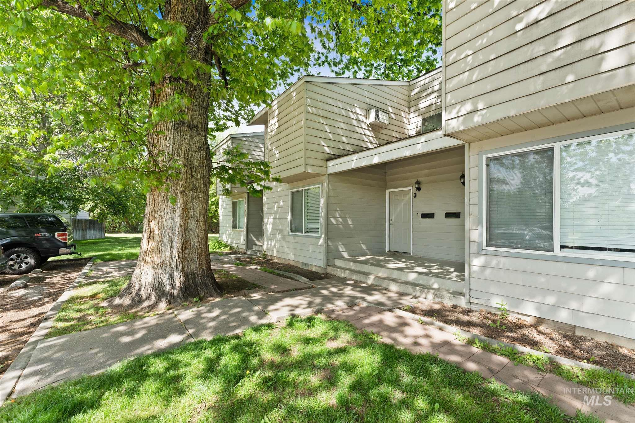 5454 W Grover Street Property Photo 16