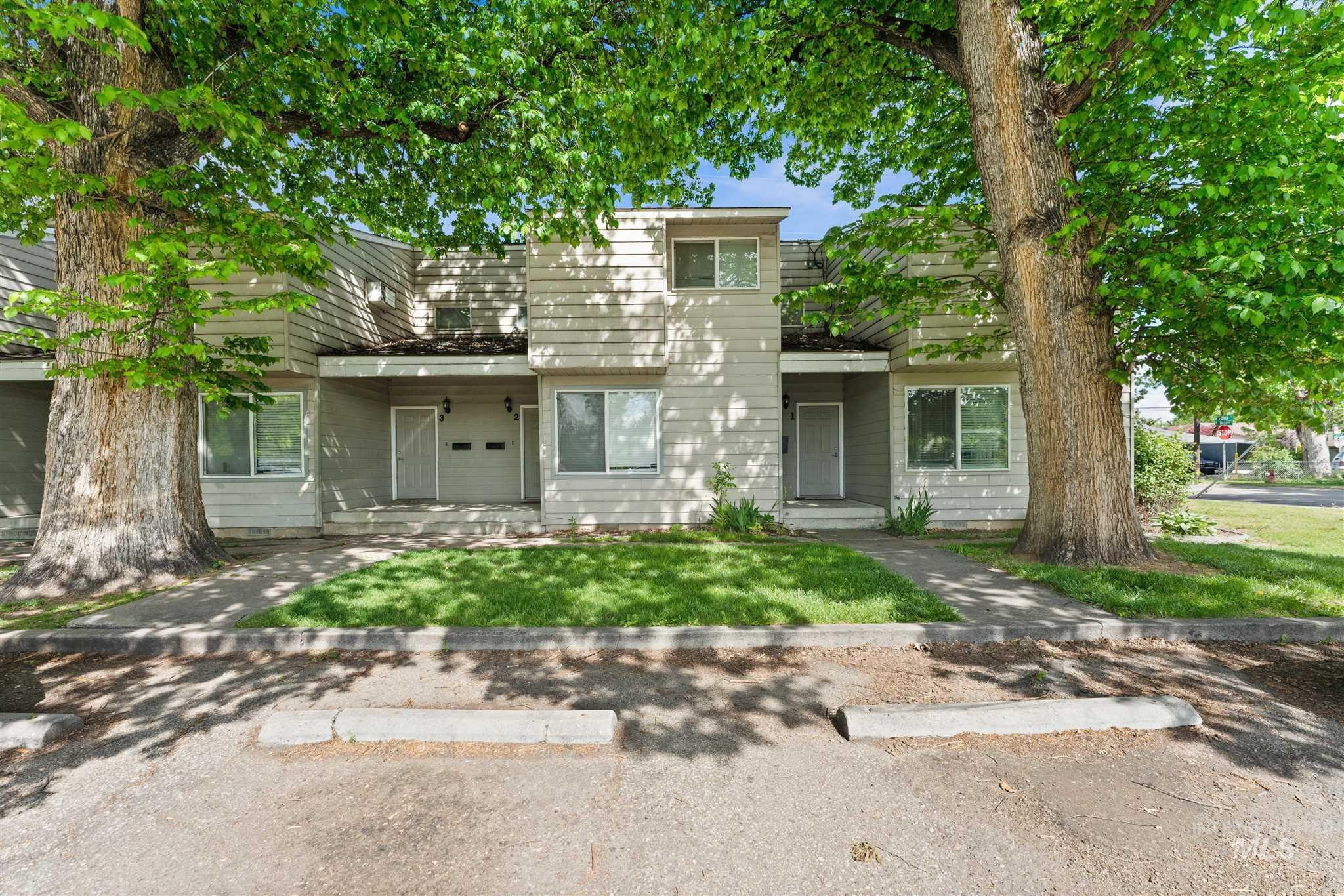 5454 W Grover Street Property Photo 17