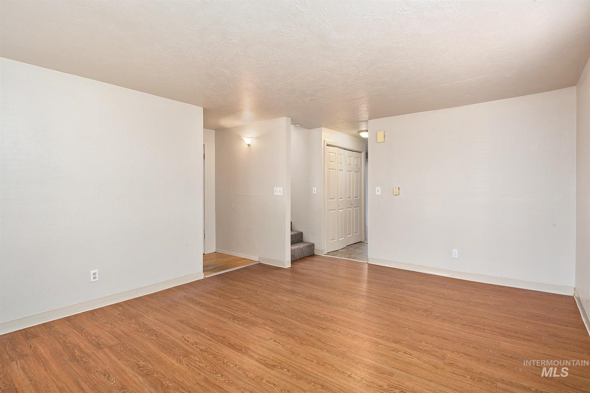 5454 W Grover Street Property Photo 20