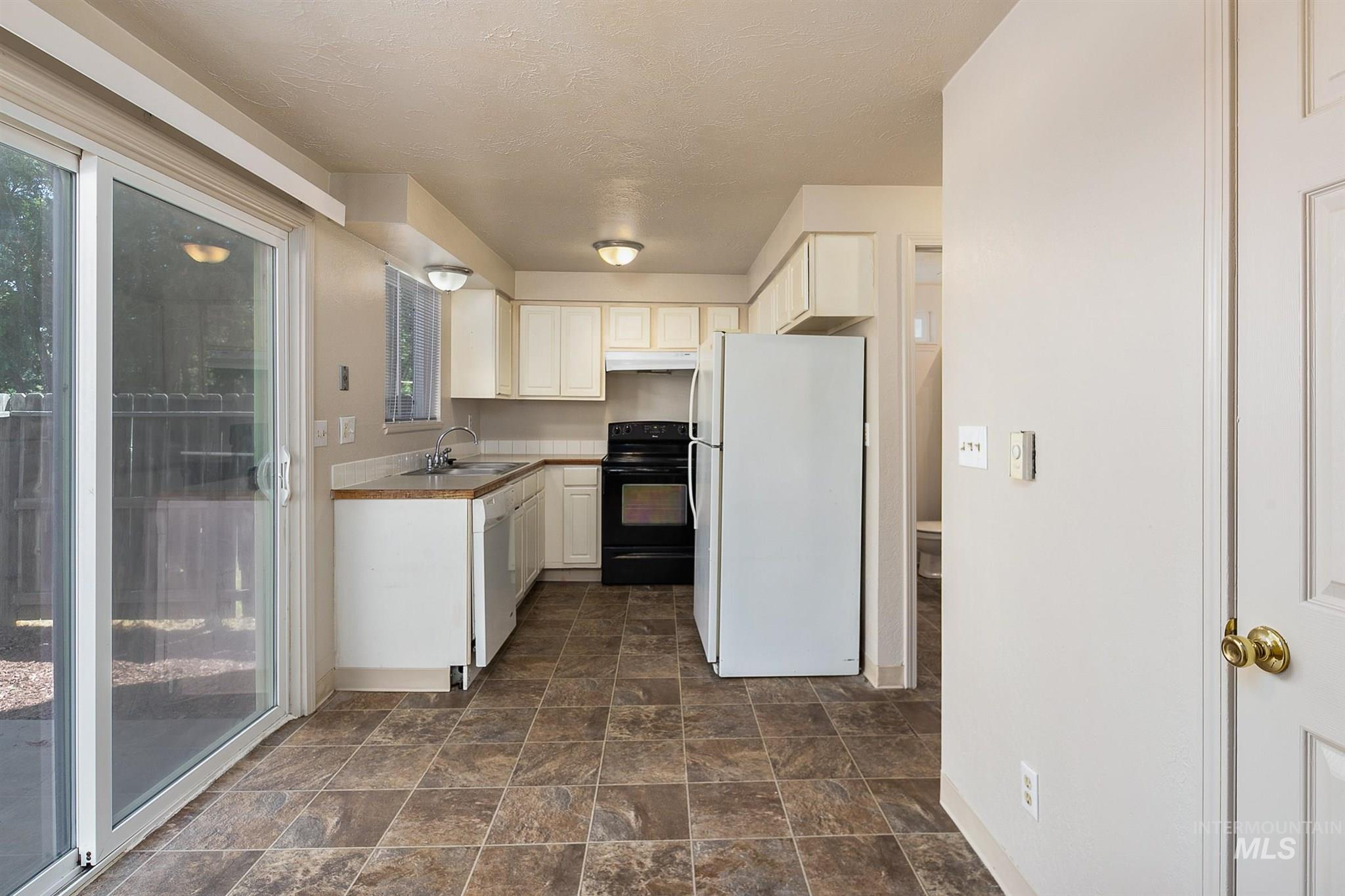 5454 W Grover Street Property Photo 22