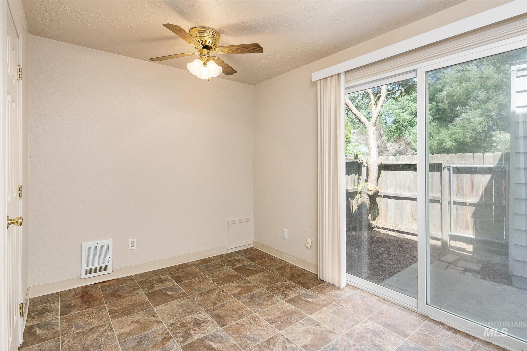 5454 W Grover Street Property Photo 27