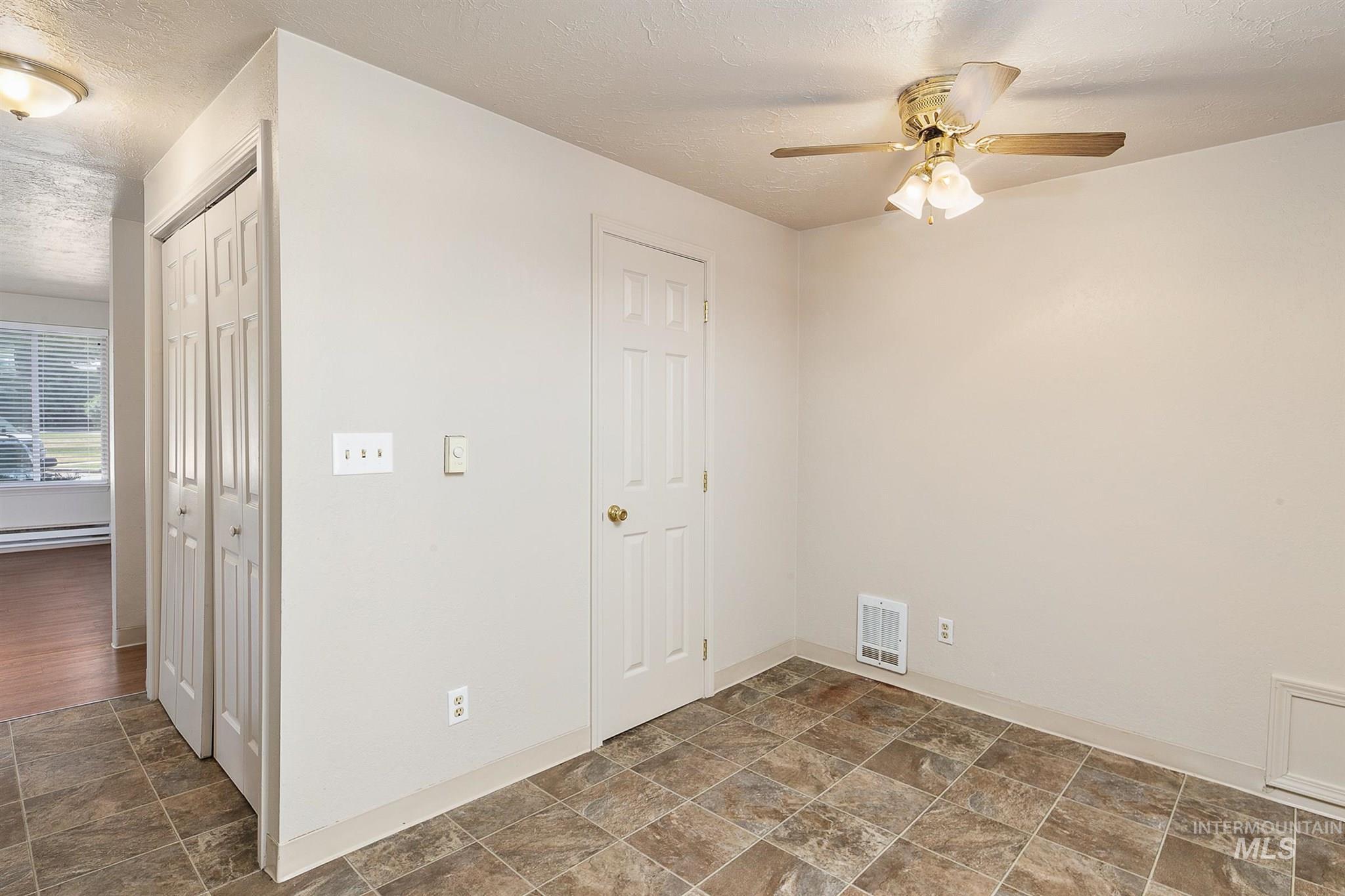 5454 W Grover Street Property Photo 35