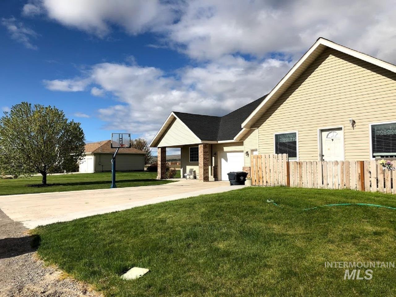 435 S College Property Photo 12