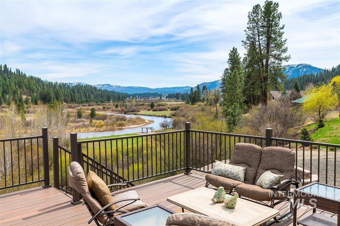 317 Middlefork Property Photo