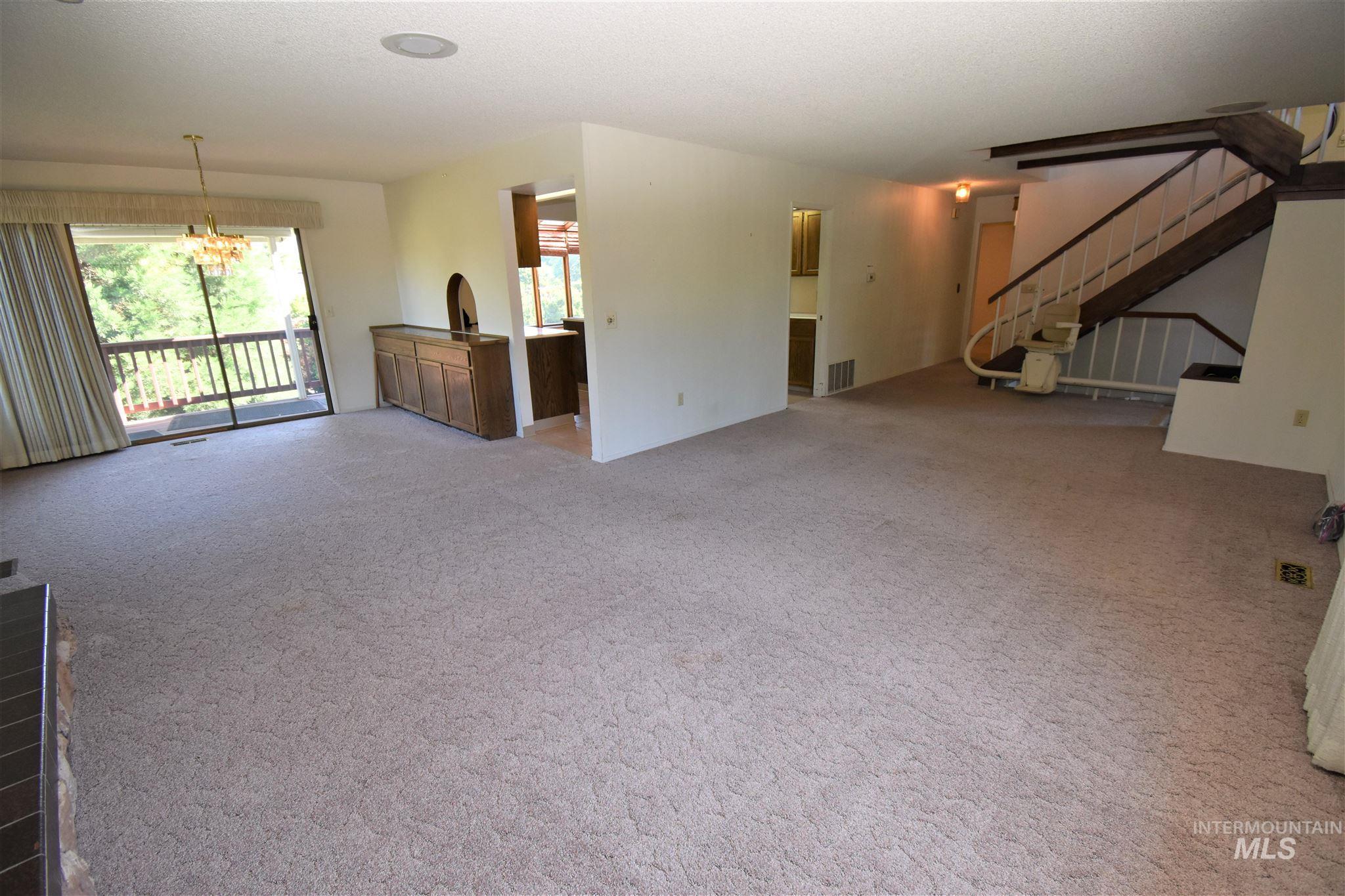 385 W Shiloh Drive Property Photo