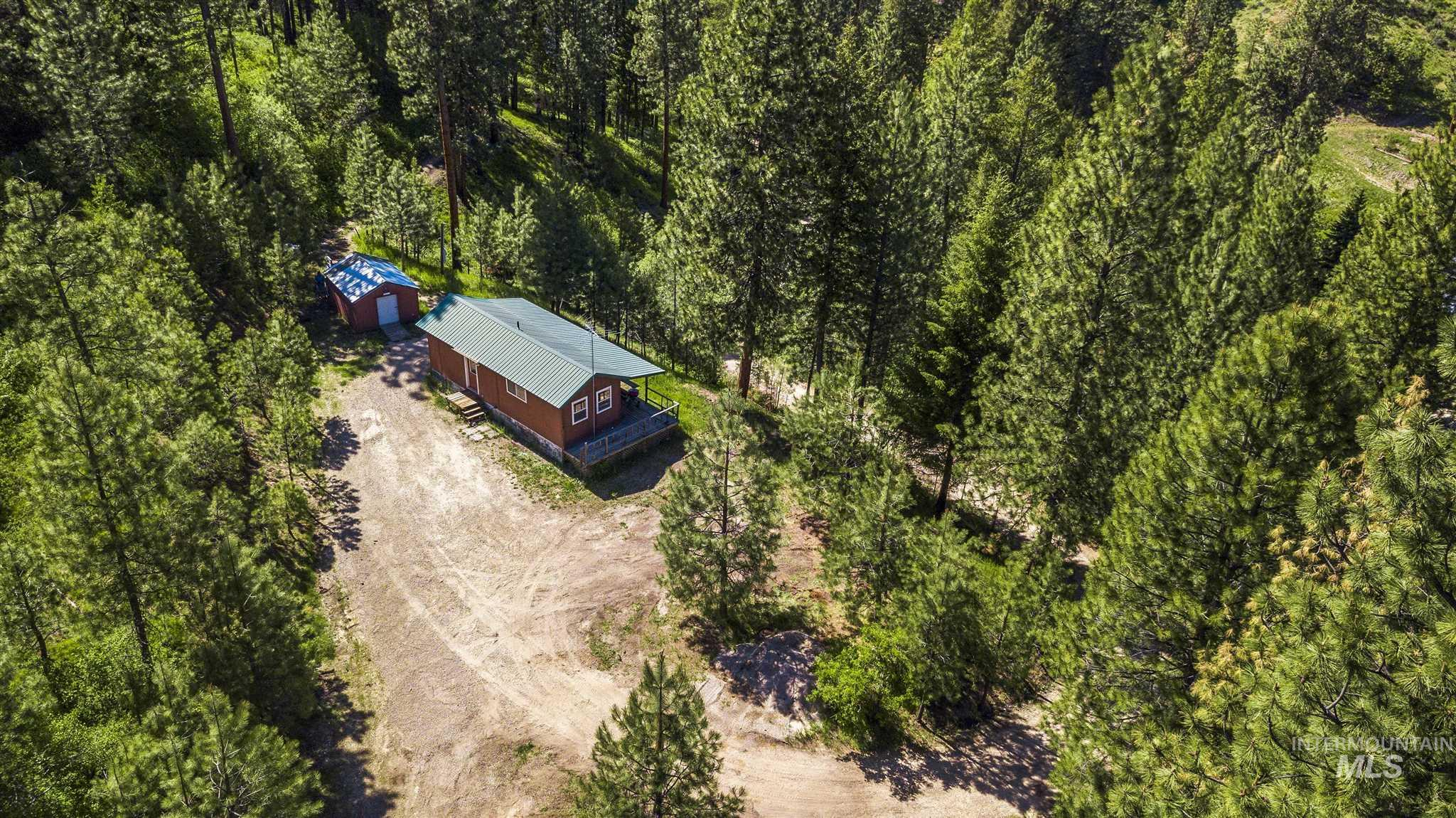 106 Johnson Creek Rd Property Photo 2
