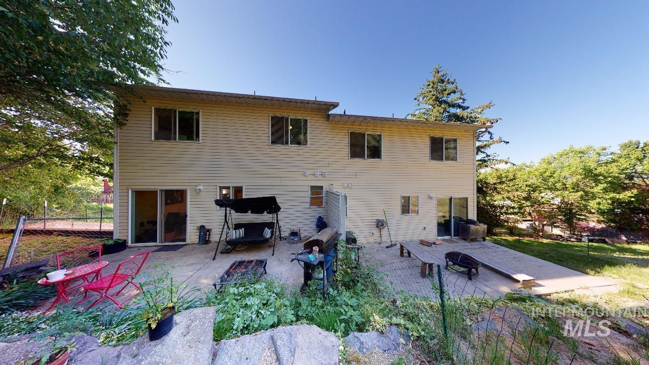 525 Northwood Drive Property Photo