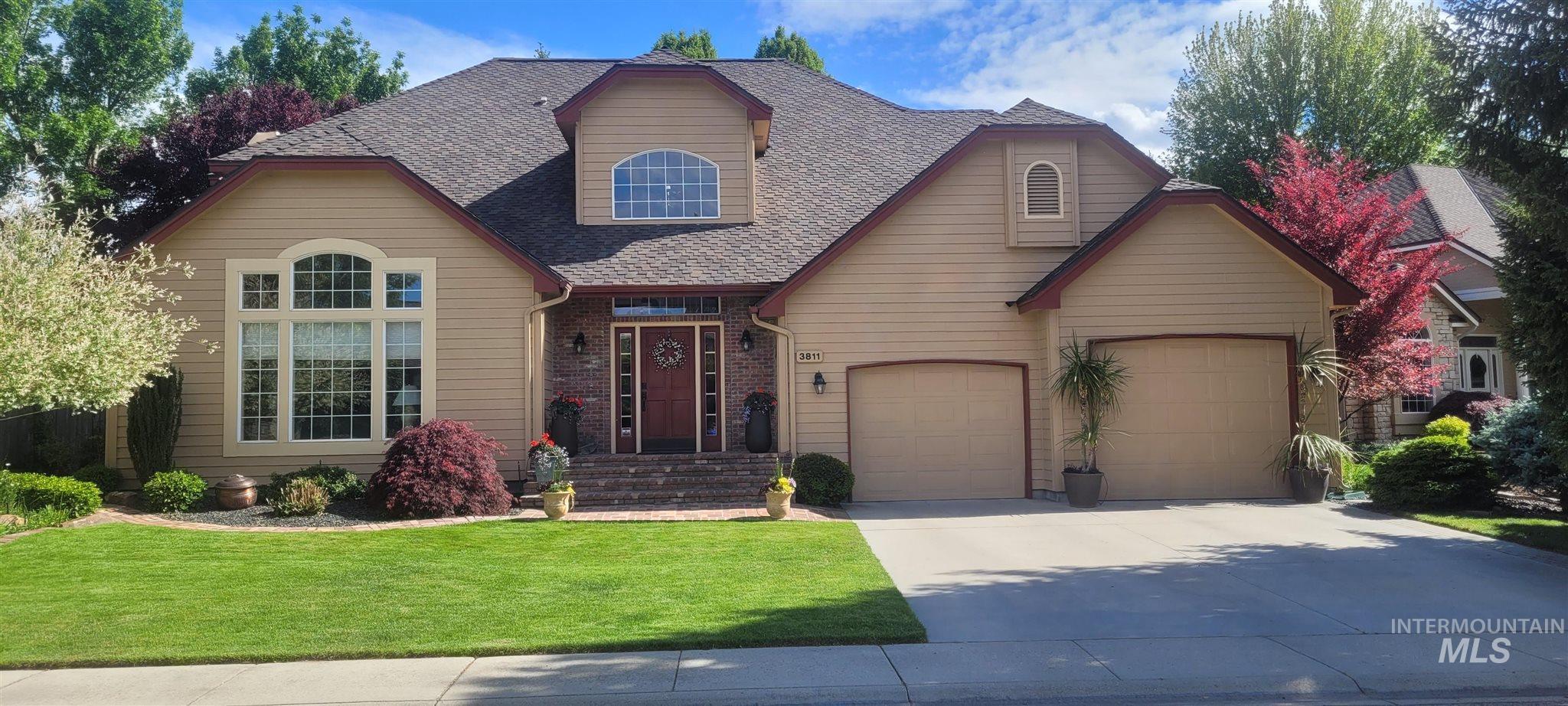 3811 S Suntree Property Photo 1