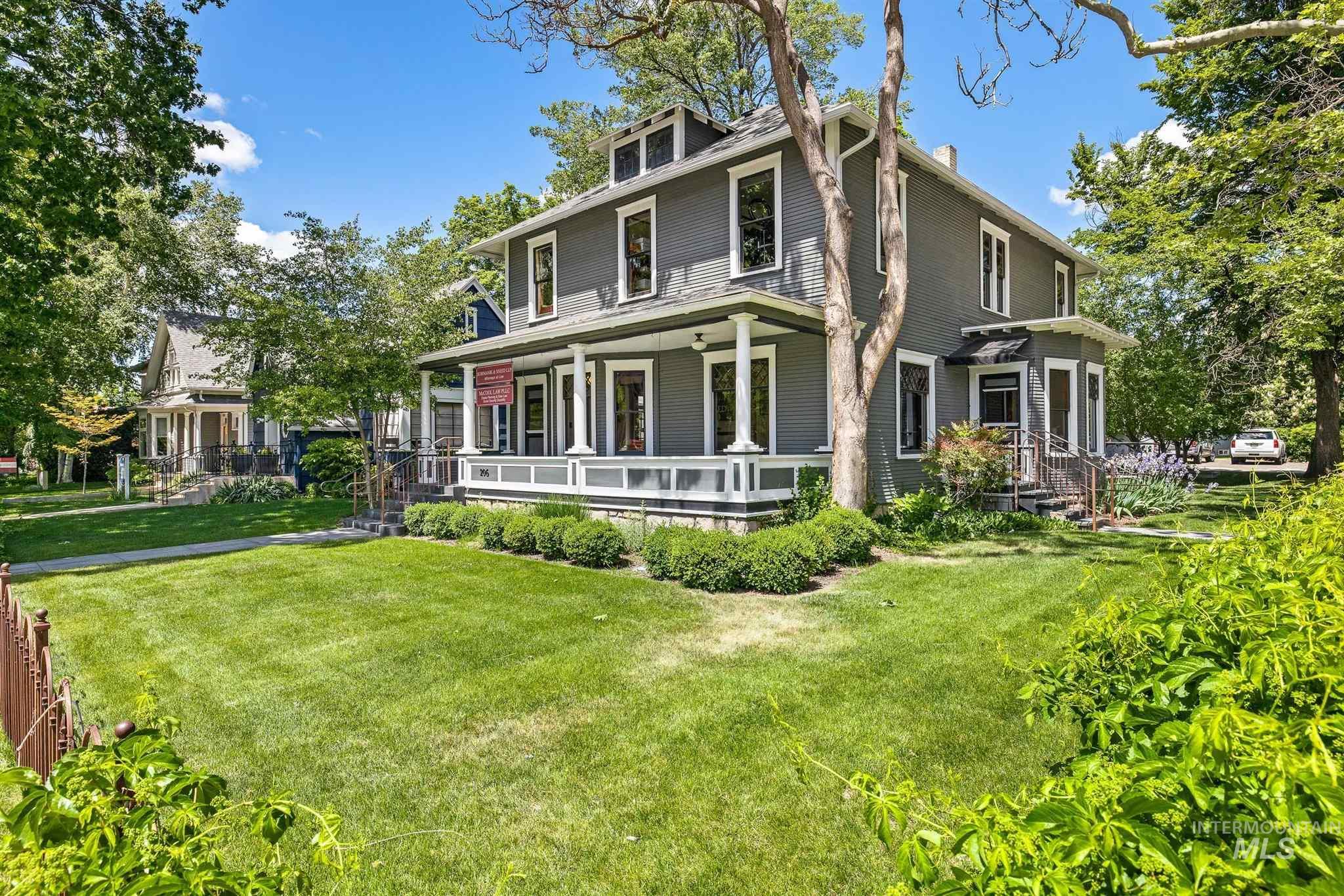206 W Jefferson Property Photo