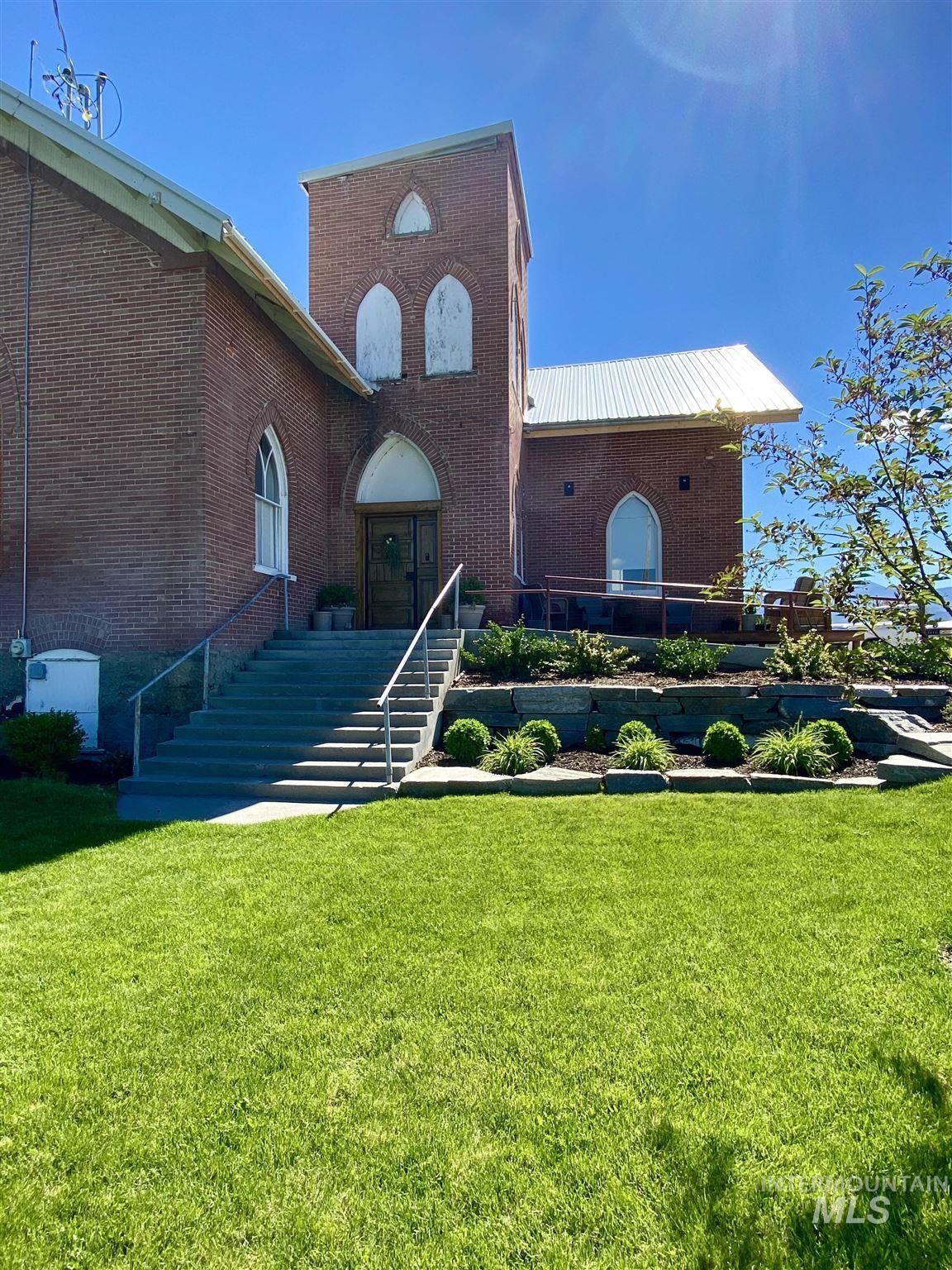 140 N Church Ave Property Photo