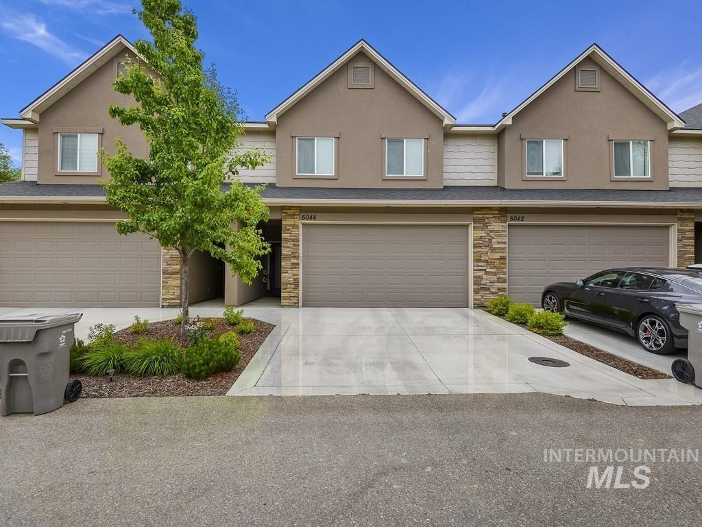 Alworth Townhomes Real Estate Listings Main Image
