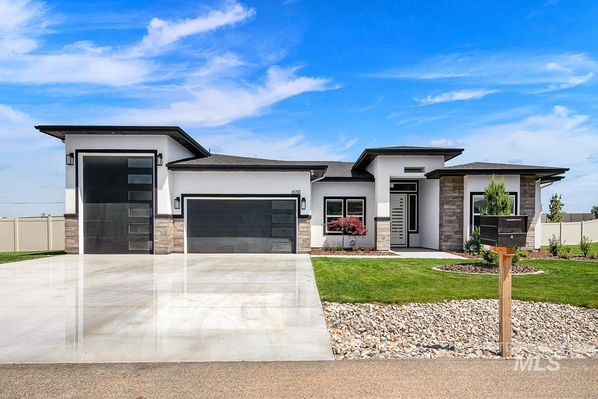 Desert Pine Estates Real Estate Listings Main Image