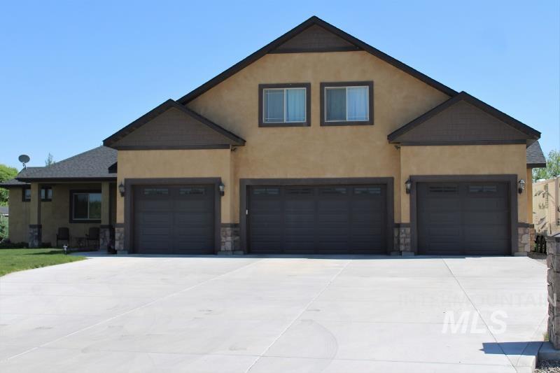 2072 Stone Ridge Dr Property Photo 1