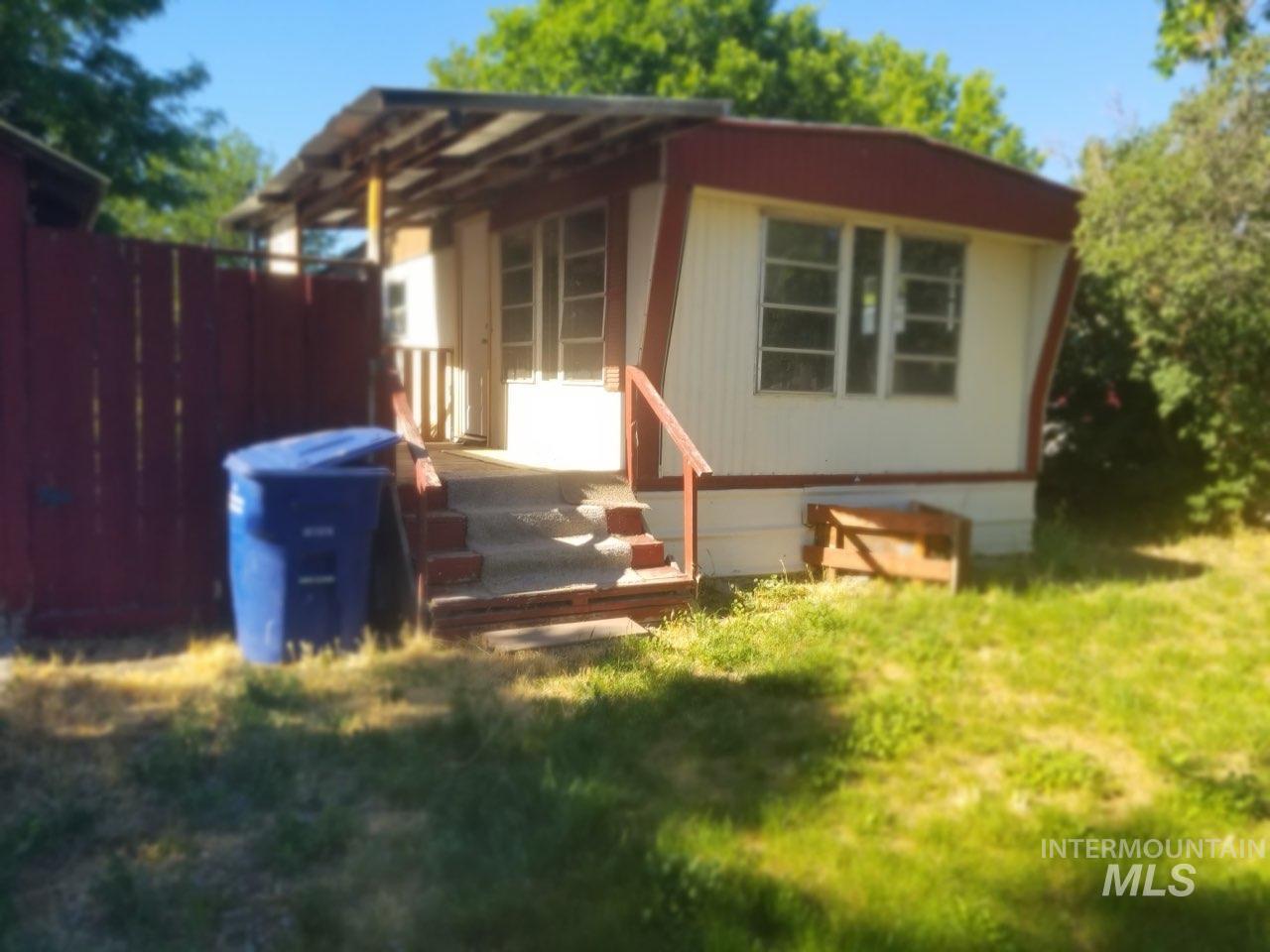 141 E Hagerman Ave. Property Photo 1
