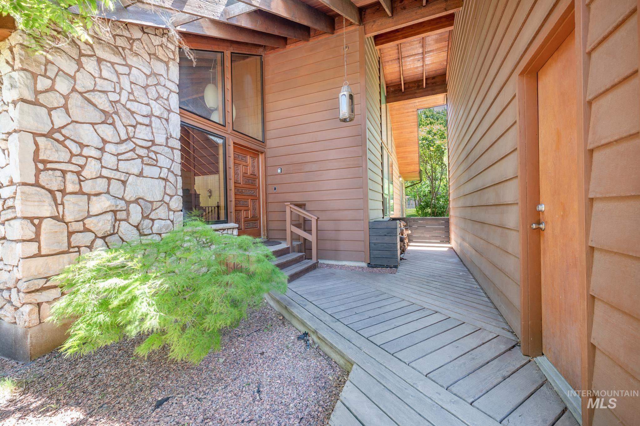 570 Cole Property Photo 2
