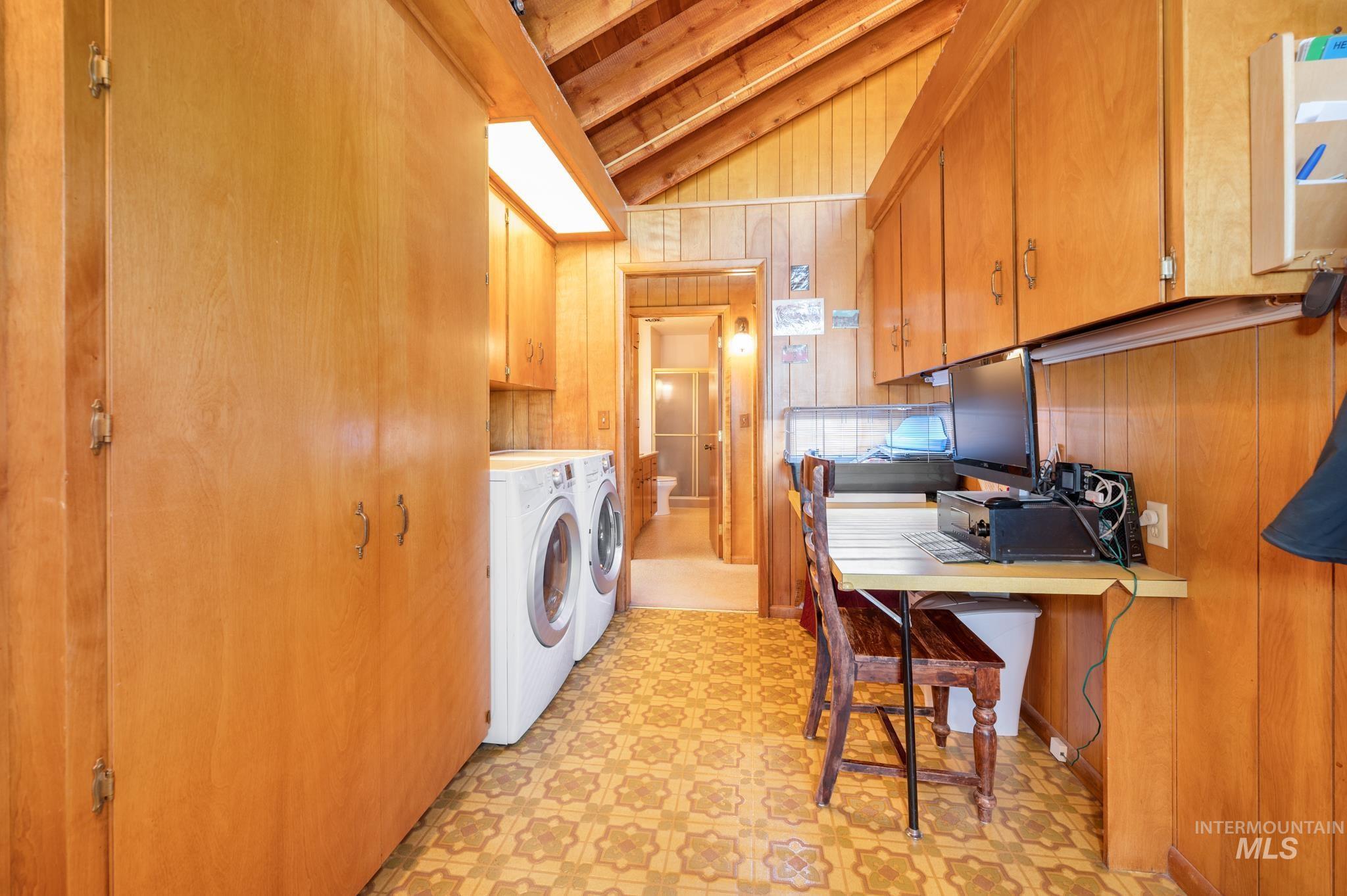 570 Cole Property Photo 26