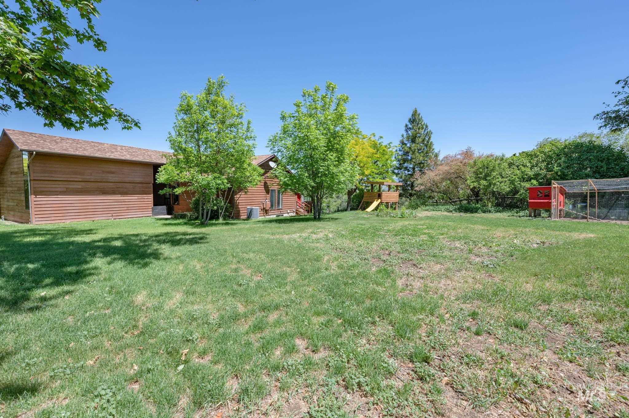 570 Cole Property Photo 29
