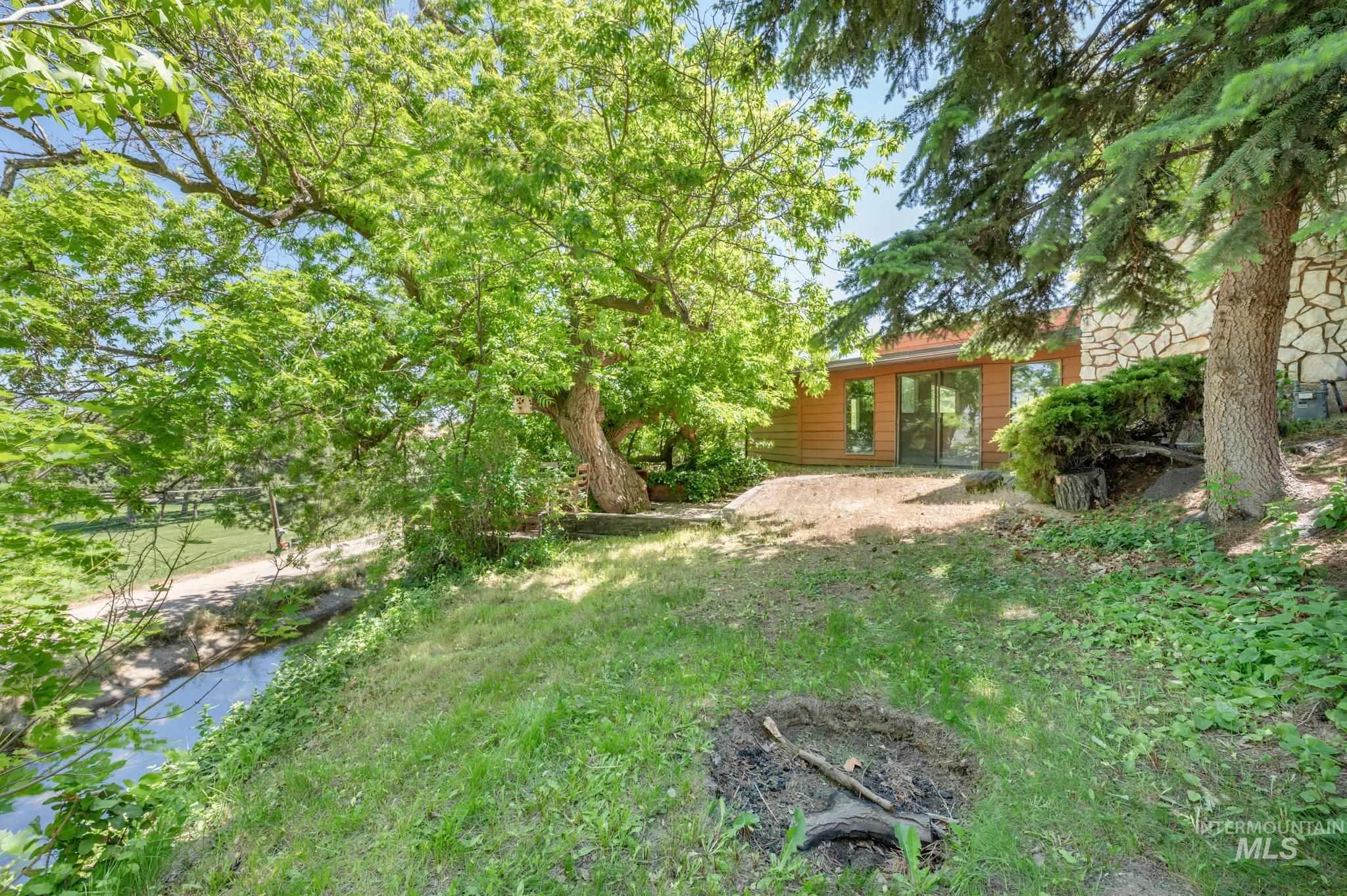 570 Cole Property Photo 30