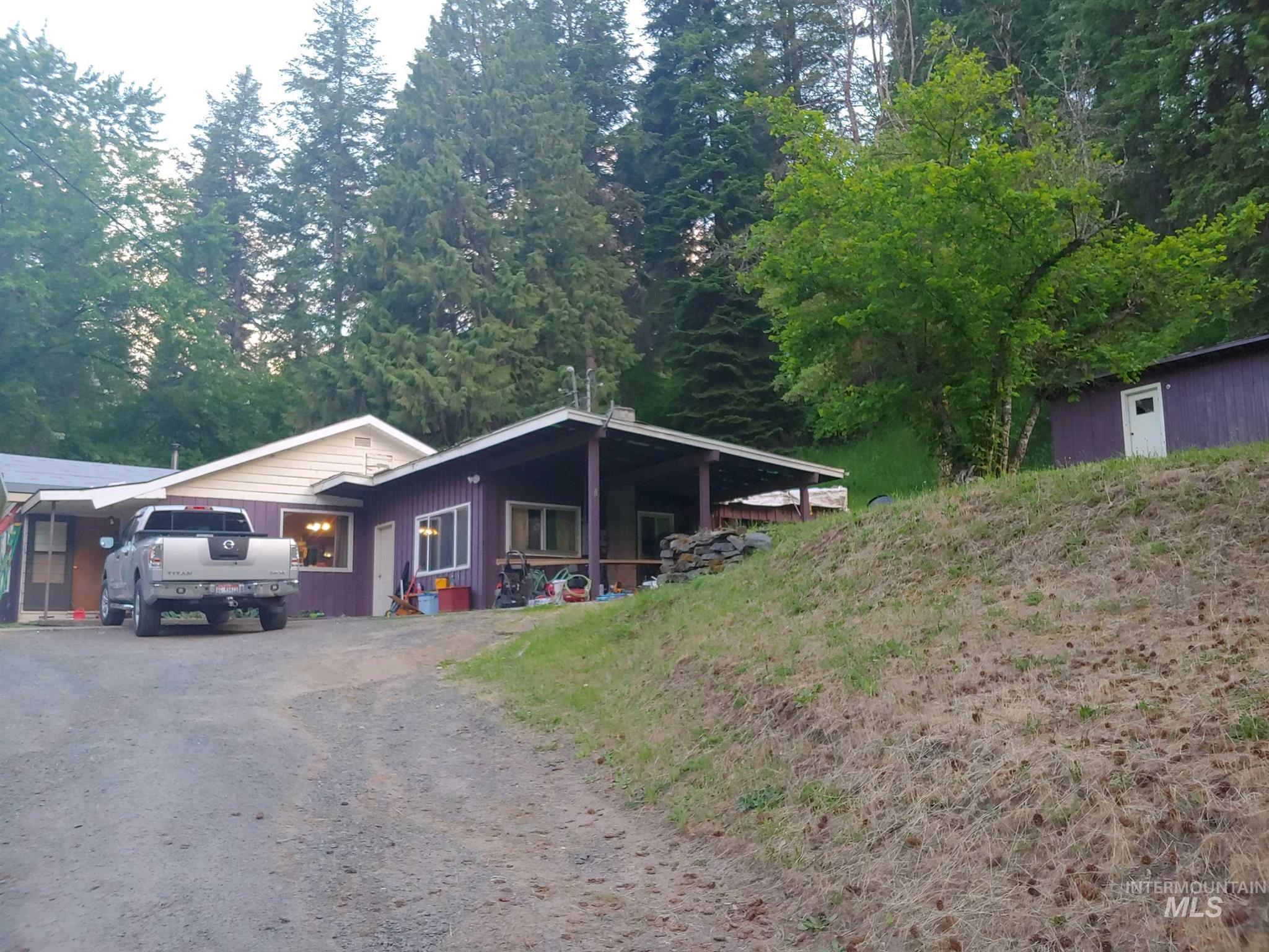47506 Highway 12 Property Photo
