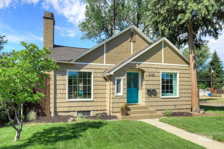 2135 W State St Property Photo