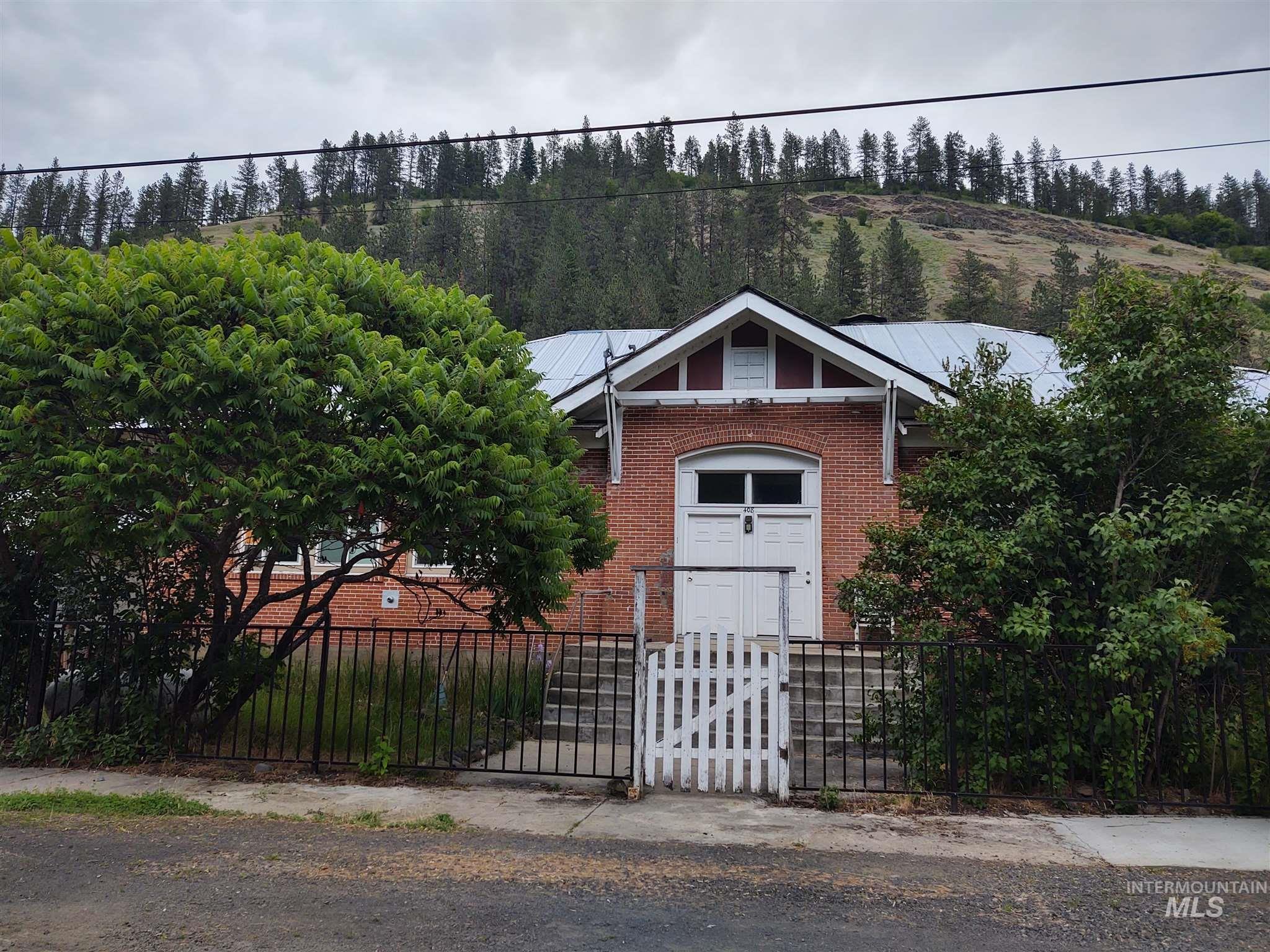 408 W Street Property Photo