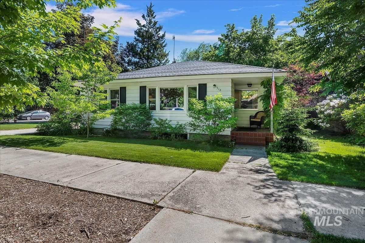 516 Ave I Property Photo
