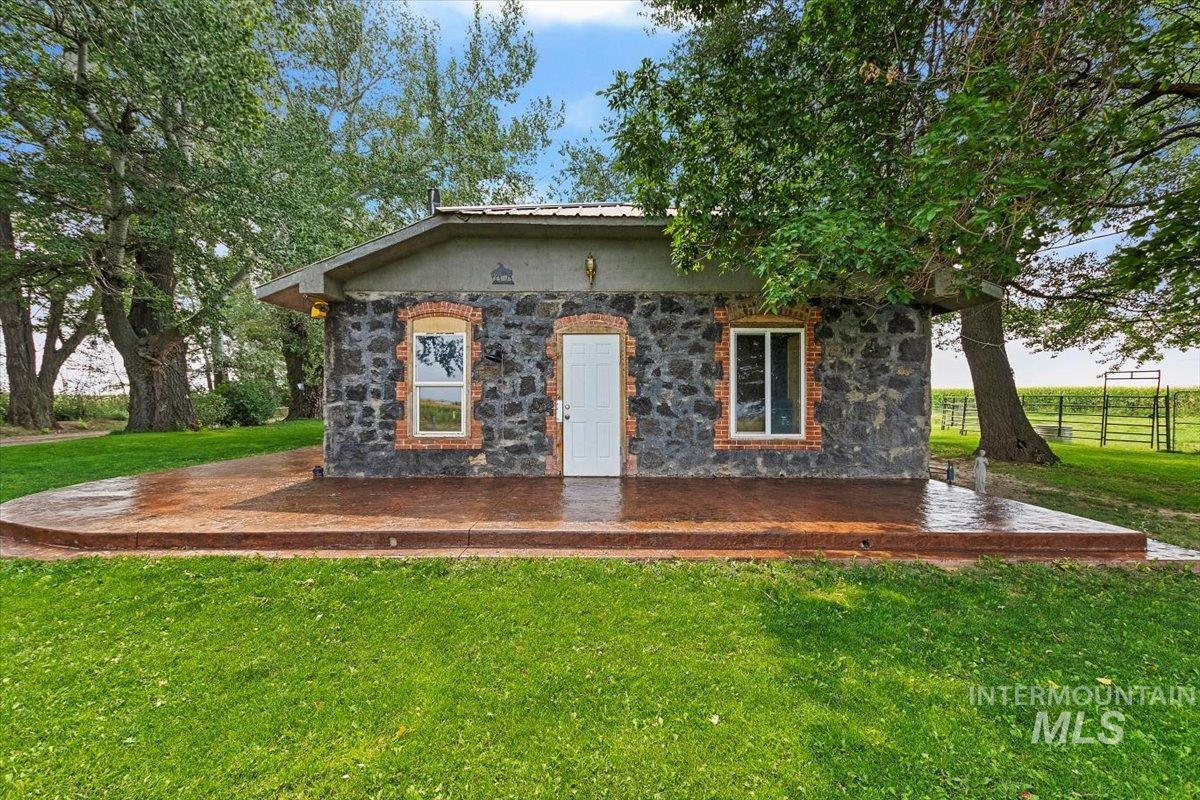 851 E 2000 S. Property Photo