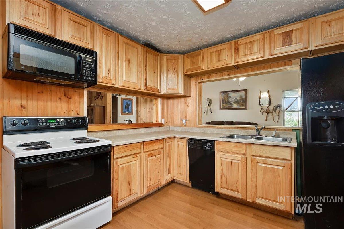 851 E 2000 S. Property Photo 14