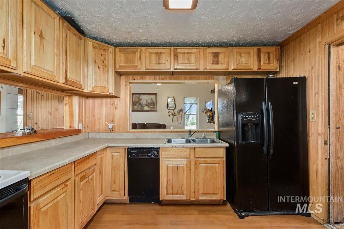 851 E 2000 S. Property Photo 16