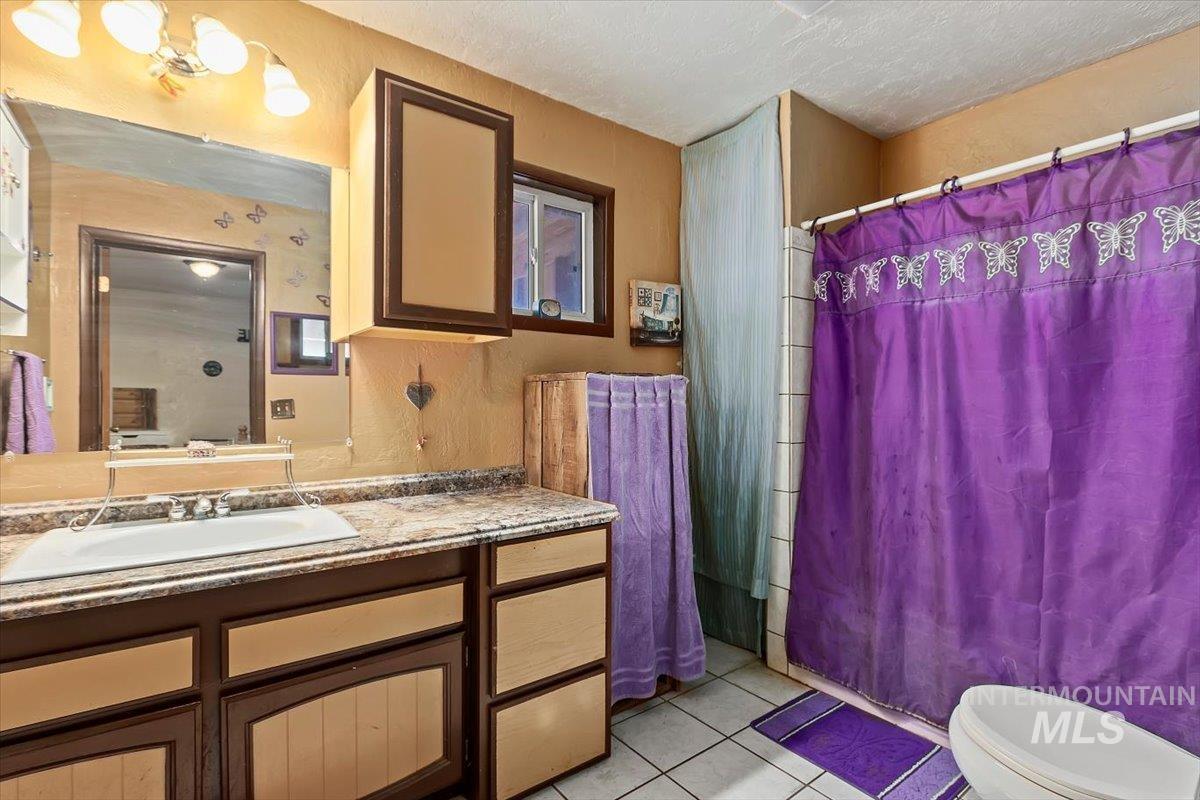 851 E 2000 S. Property Photo 24