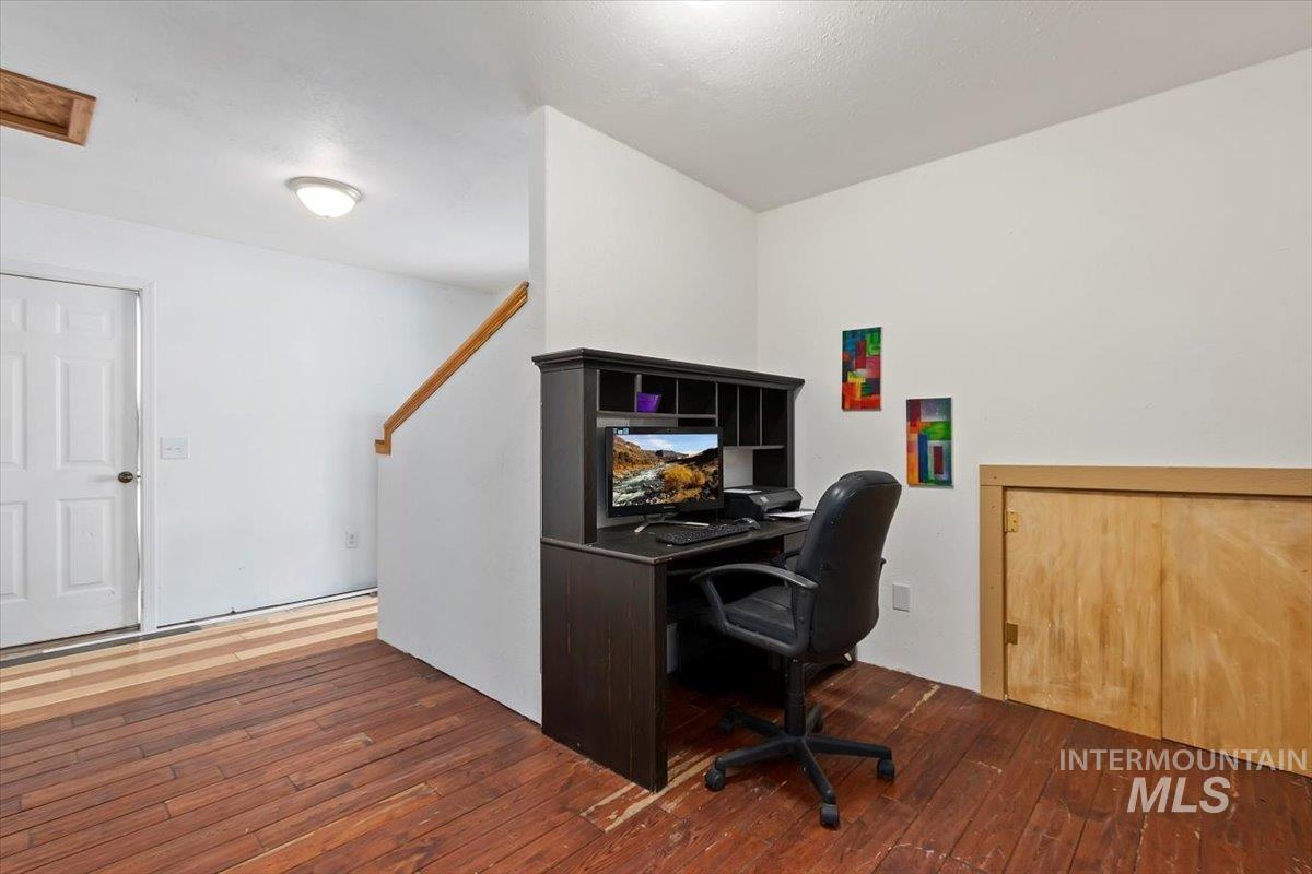 851 E 2000 S. Property Photo 25