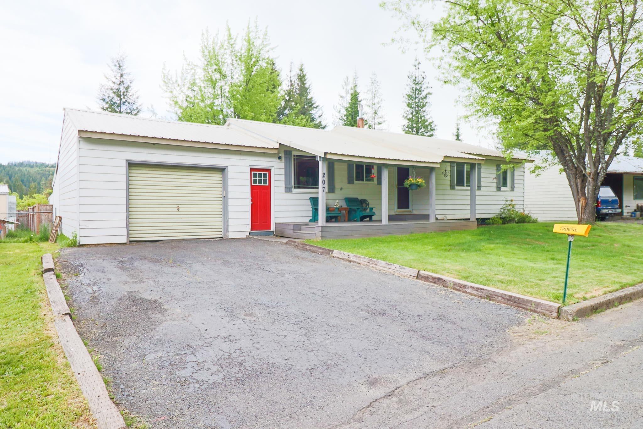207 Juniper Drive Property Photo