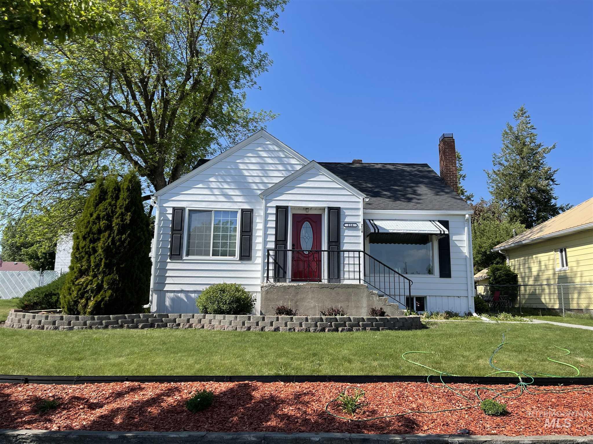 216 W Main Street Property Photo 7