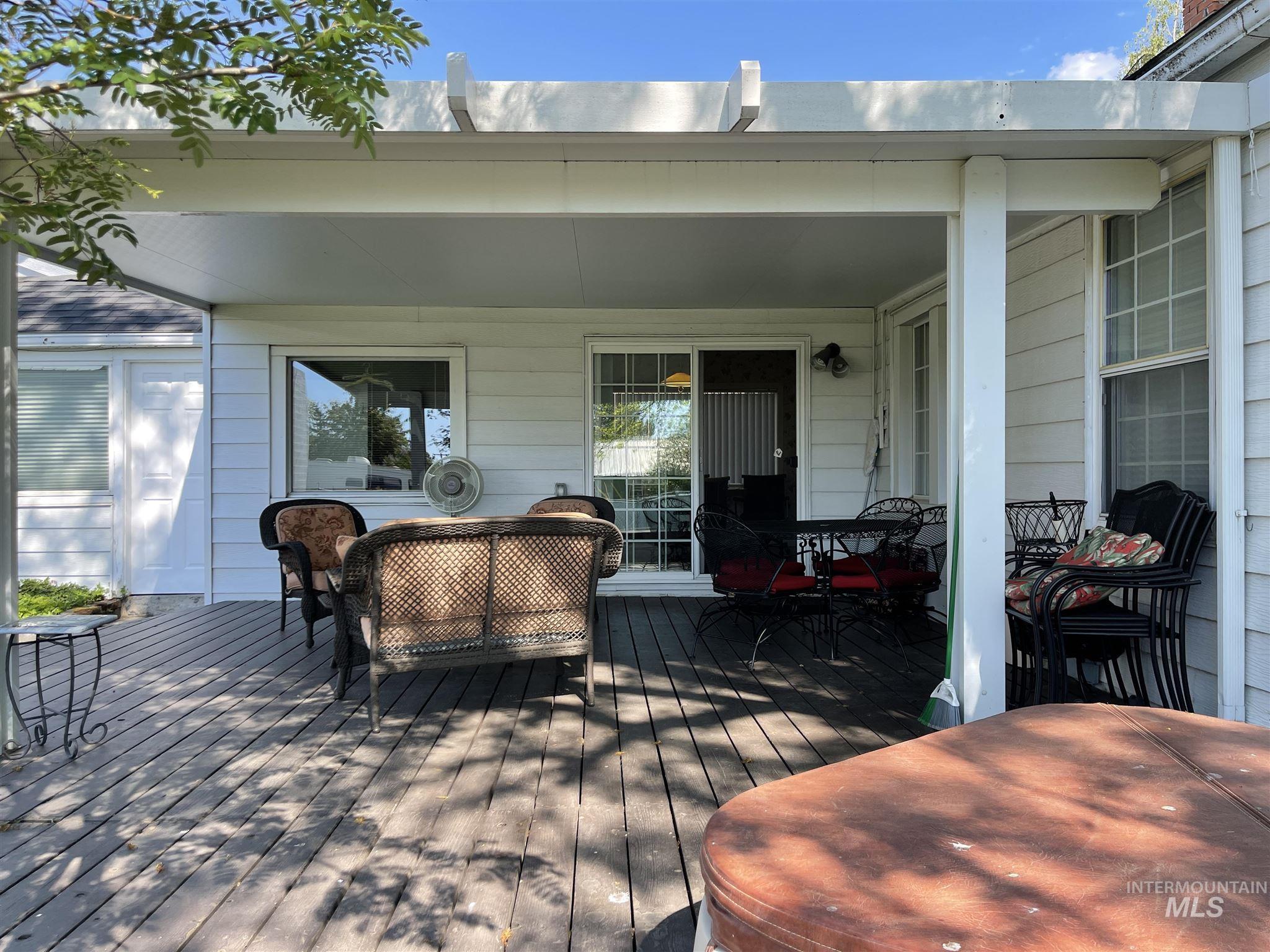 216 W Main Street Property Photo 15