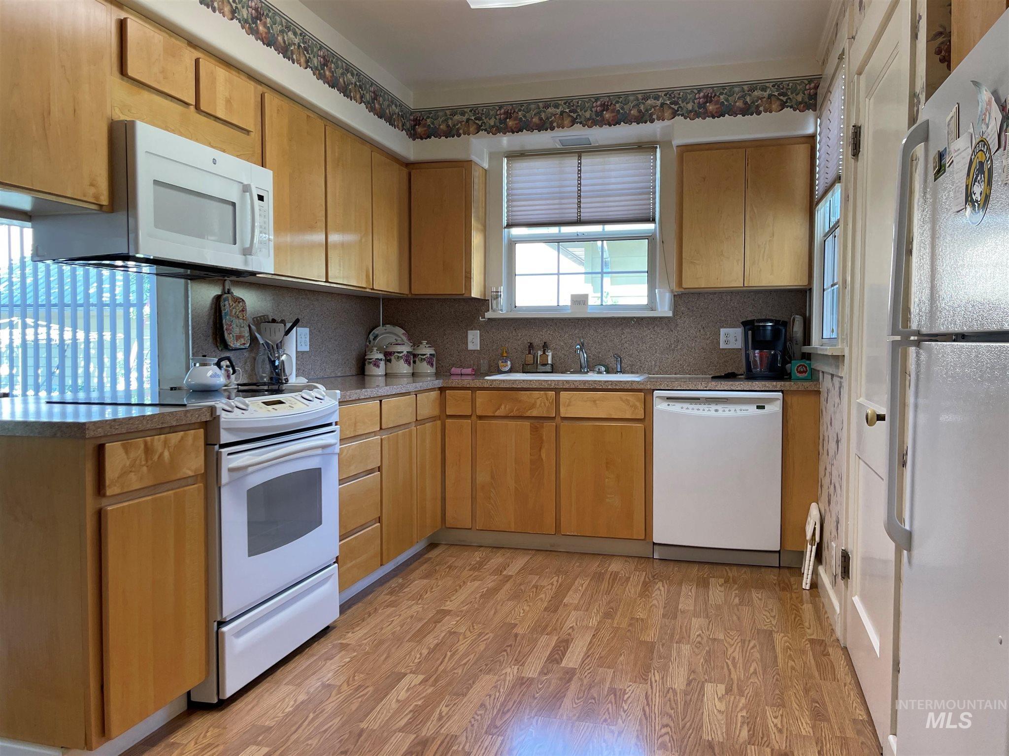 216 W Main Street Property Photo 25