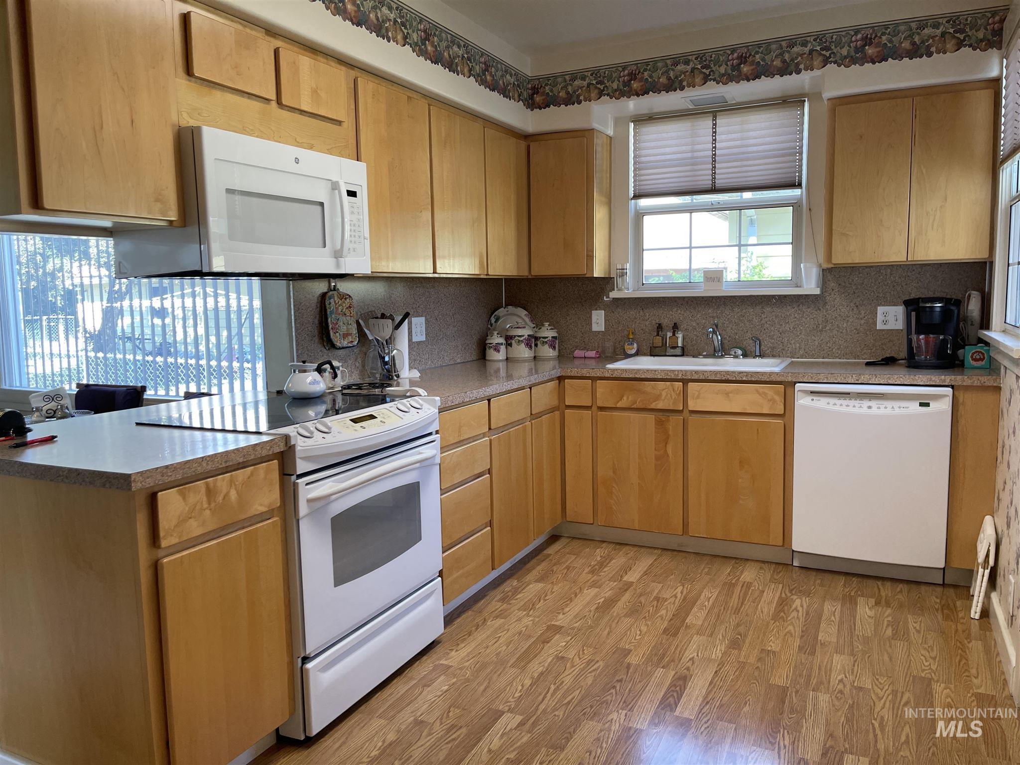 216 W Main Street Property Photo 27