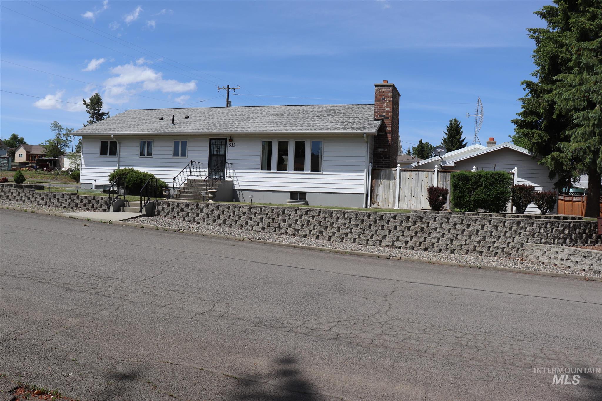 512 Hogan Street Property Photo