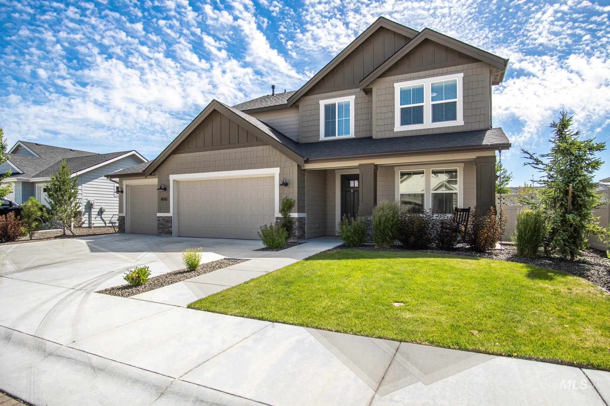 4592 N Girasolo Ave Property Photo 1