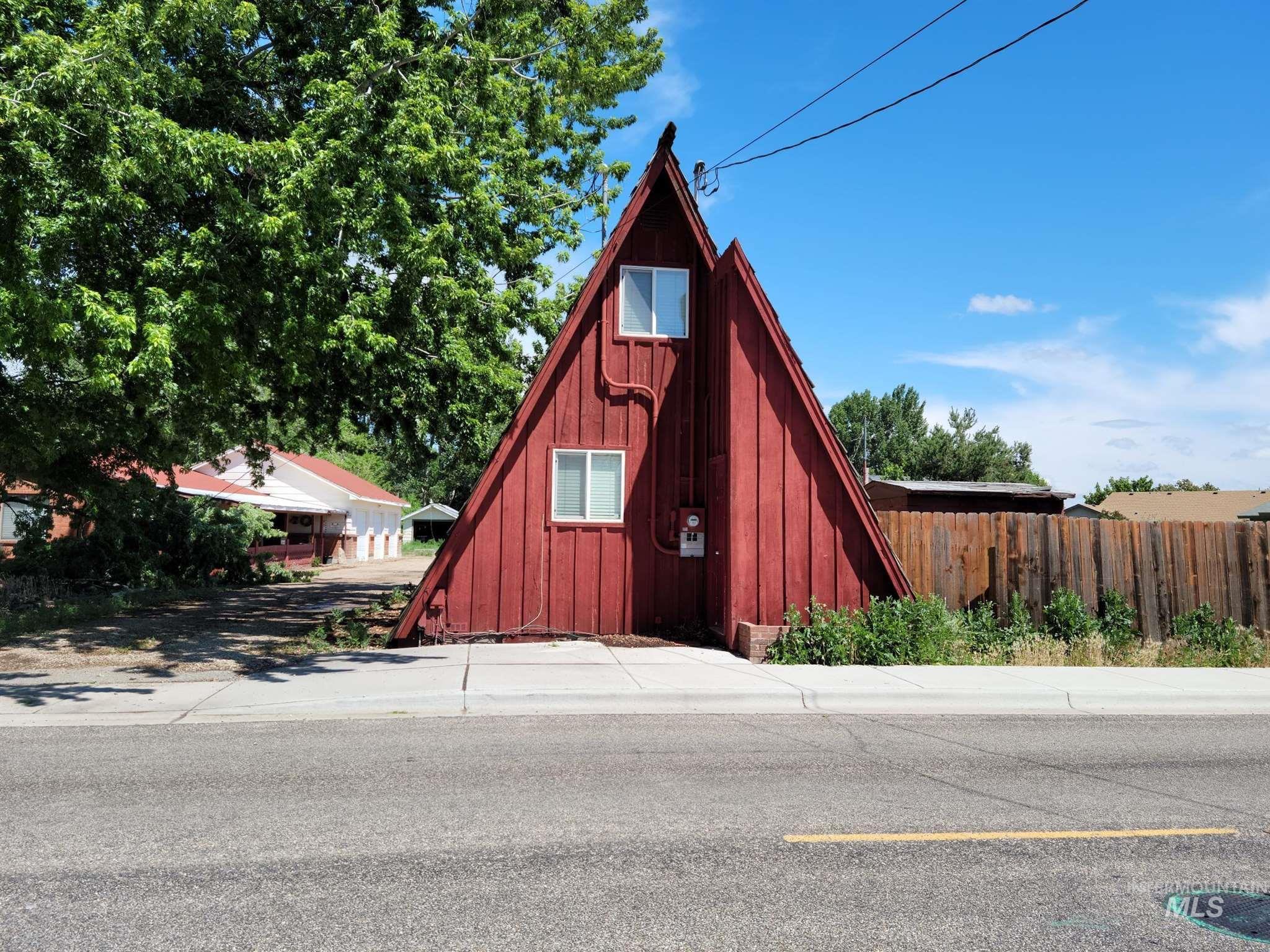660 S Linder Road Property Photo