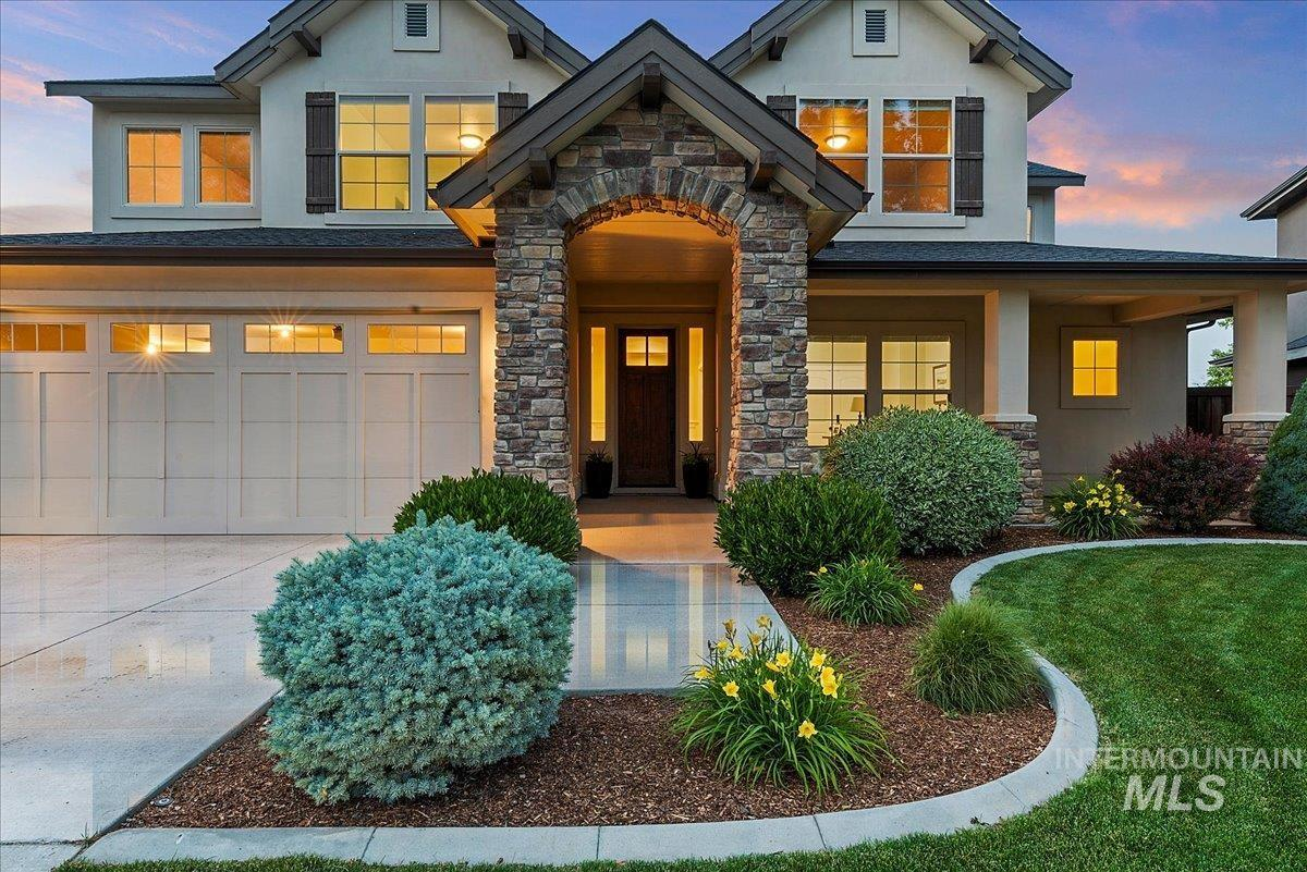 150 W Broderick Drive Property Photo