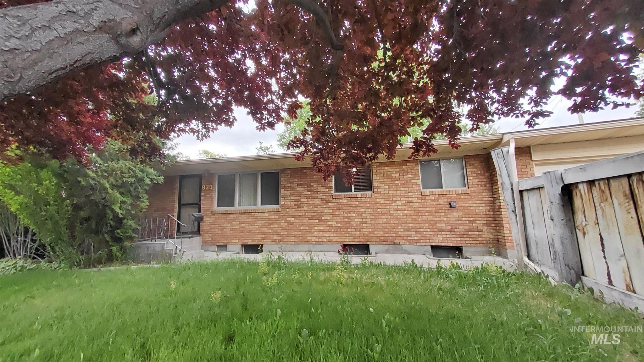 823 Union Property Photo